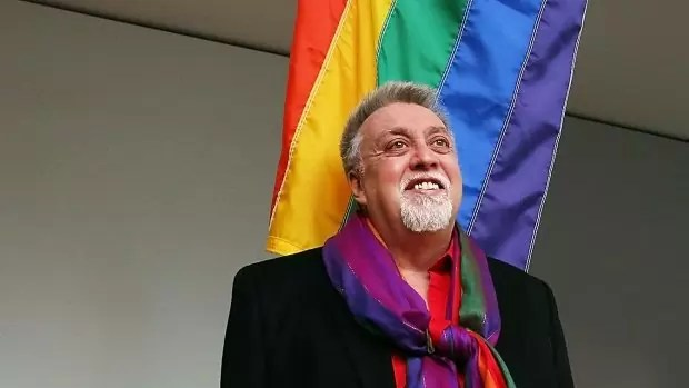 Fotos, Curiosidades, Comunicação, Jornalismo, Marketing, Propaganda, Mídia Interessante Doodle-do-Google-homenageia-Gilbert-Baker Doodle do Google homenageia Gilbert Baker Internet  Doodle do Google homenageia Gilbert Baker
