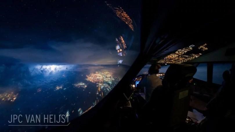 aerial-photos-boeing-747-plane-cockpit-jpc-van-heijst-14-592c0ee8ddc19__880