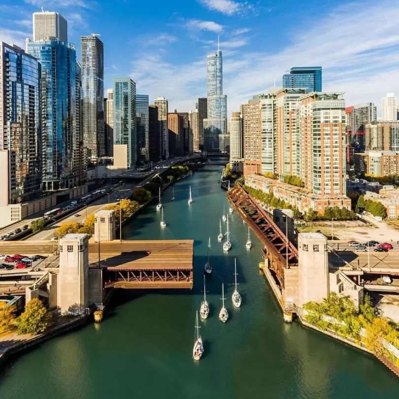 drone Chicago From Above Awesome Bumblebee Photograph by Razvan Sera 5923e5940d411  880 - Chicago e as novas perspectivas do olhar humano por Drones