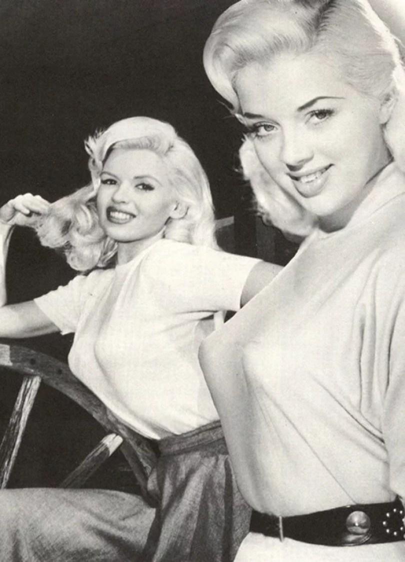 bullet bra fashion vintage sutiã cone moda mulheres anos 1940 1950 31 - Beleza da Mulher nas décadas de 40 e 50 e os sutiãs de bicudos
