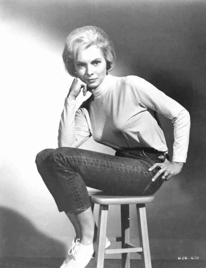 bullet bra fashion vintage sutiã cone moda mulheres anos 1940 1950 71 - Beleza da Mulher nas décadas de 40 e 50 e os sutiãs de bicudos