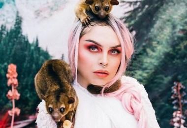 mulher com animal - Modelos posam ao lado de animais que foram salvos do mercado negro
