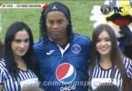 ronaldinho america central - Ronaldinho Gaúcho brilha em jogos comemorativos na América Central