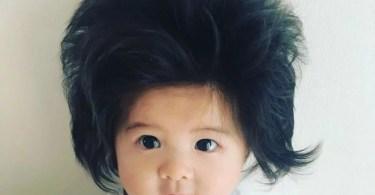 bebe cabeluda