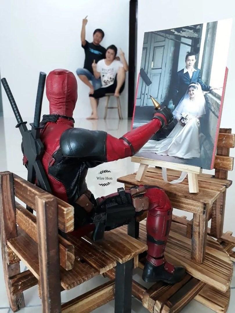 jogo de camera 4 - Homem tira fotos com super-heróis - Genial e engraçado!