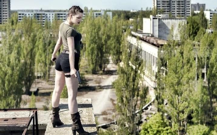 Book Fotográfico namorada foto - Fotógrafo tirou fotos da namorada em locais abandonados da Europa