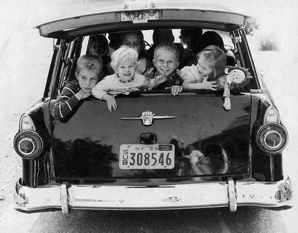 """vintage station wagon car 60s photography 10 5bb73614d1e20  605 - Fotos Vintage que comprovam que os carros dos anos 60 eram """"Dá hora!"""""""