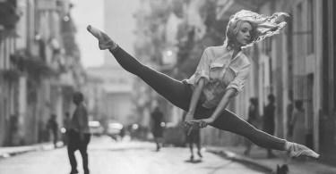 bailarina de rua - As maiores coincidências do mundo registradas em foto #Parte 4