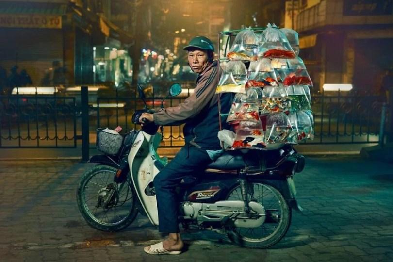 Os motoqueiros camelô de Hanoi - Os motoqueiros-camelô de Hanoi