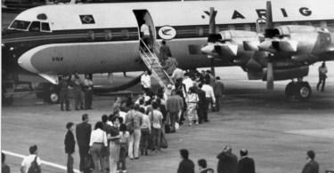 """Ponte aerea Electra.jpg.pagespeed.ic .A2CNiIHfMr - João Gilberto tocando """"Wave"""" Roma, 1983 e """"Aquarela do Brasil"""" em São Paulo, 1982"""