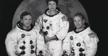 astronautas na lua - Escultura de cortar o coração retrata 82 crianças que foram entregues aos nazistas