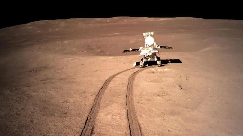 Chang'e 4 caminhando na lua - Sonda chinesa se depara com um gel estranho no lado oculto da Lua