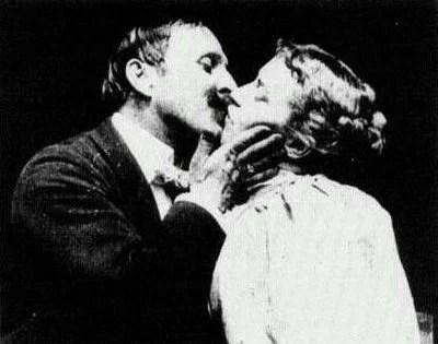o primeiro beijo - Qual foi o primeiro beijo da história? O mais antigo?