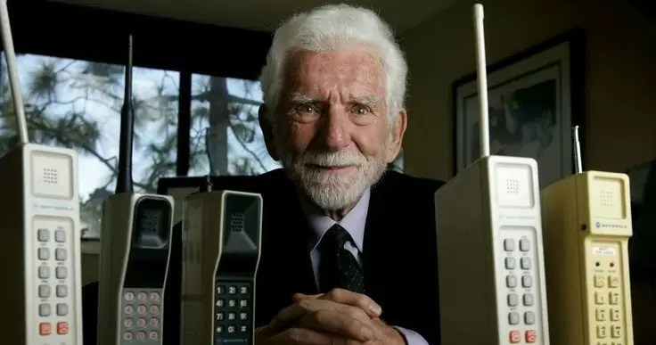 martin - Pessoas simplesmente ostentando os primeiros celulares