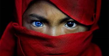 Veja o ensaio fotográfico desta Tribo da Indonésia que parou a Internet - É possível votar no espaço?