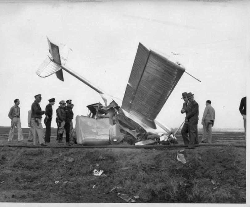 primeiro carro voador do mundo propotipos futuro 9 - Carros Voadores já existiram em 1947