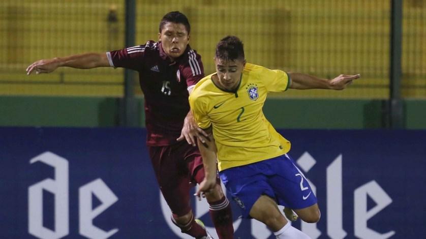 O lateral João Pedro também foi convocado para integrar o elenco da Seleção no Sul-Americano Sub-20. (Rafael Ribeiro/CBF/Divulgação)