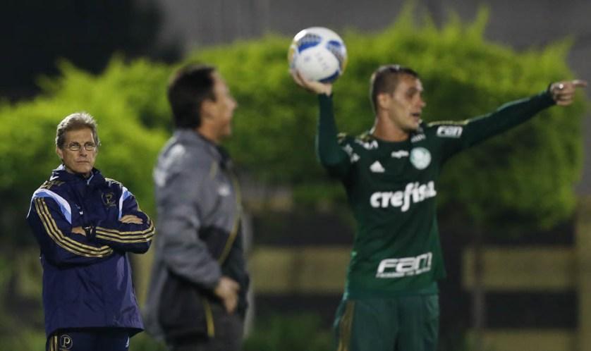 Oswaldo aprovou a atuação da equipe na vitória sobre o São Bernardo. (Cesar Greco/Ag. Palmeiras/Divulgação)