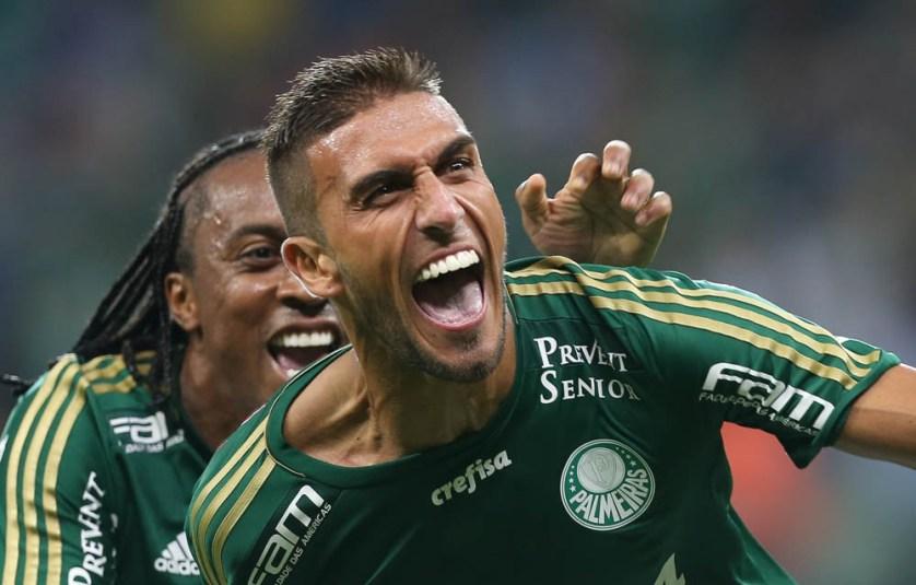 Rafael Marques comemora um de seus gols na vitória sobre o São Paulo por 3x0. (Cesar Greco/Ag. Palmeiras/Divulgação)
