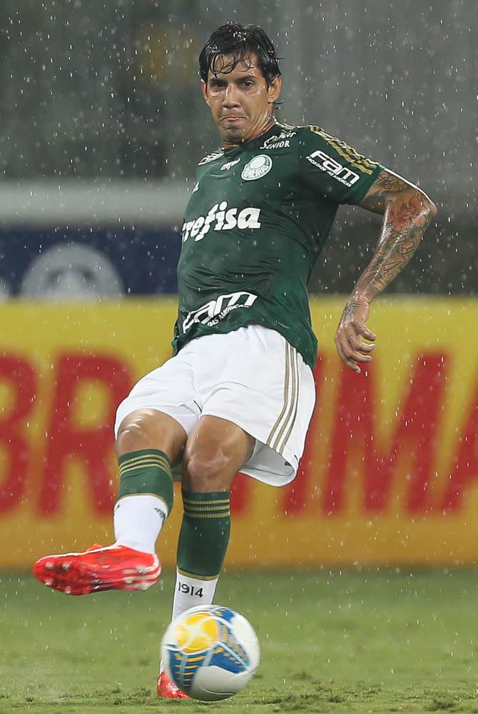 Zagueiro Victor Ramos foi um dos destaques da vitória do Palmeiras sobre o Bragantino. (Cesar Greco/Ag. Palmeiras/Divulgação)