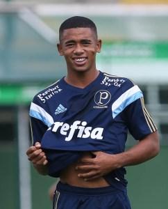 """""""Quero muito defender as cores e honrar a camisa do Palmeiras em campo"""". (Cesar Greco/Ag.Palmeiras/Divulgação)"""