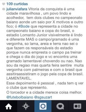 Goleiro Viáfara reclama no Instagram do gramado do estádio. (Reprodução)