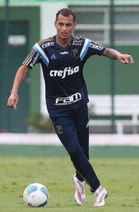 Alan Patrick treinou como titular nesta segunda-feira, 27. (Cesar Greco/Ag. Palmeiras/Divulgação)