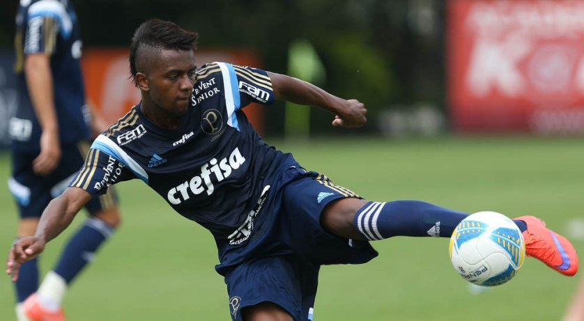 Kelvin tem chance de começar como titular no jogo de hoje (Cesar Greco/Ag Palmeiras/Divulgação)