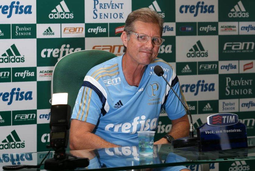O técnico Oswaldo de Oliveira concedeu entrevista coletiva na manhã desta sexta-feira (24). (Cesar Greco/Ag Palmeiras/Divulgação)