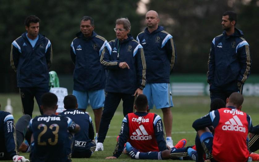 Oswaldo prepara time com novidades para encarar o Ituano. (Cesar Greco/Ag. Palmeiras/Divulgação)