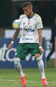 Rafael Marques pode ser testado como centroavante no clássico (Cesar Greco/Ag. Palmeiras/Divulgação)