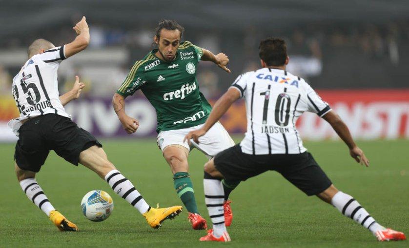 Apesar de não ter sido protagonista no Derby, Valdivia pede paciência para voltar a estar 100%. (Cesar Greco/Ag. Palmeiras/Divulgação)