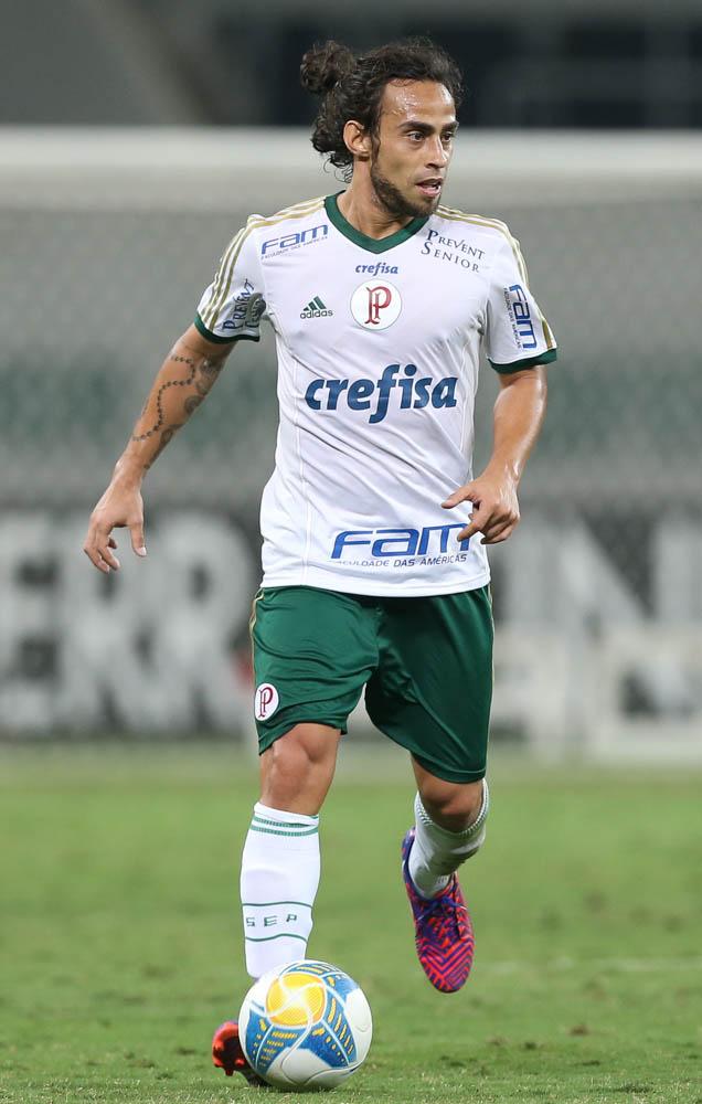 Valdivia finalmente pode estrear pelo Palmeiras em 2015. (Cesar Greco/Ag. Palmeiras/Divulgação)