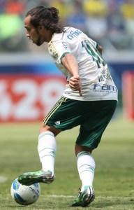 Valdivia entrou no segundo tempo e fez a diferença para o Verdão. (Cesar Greco/Ag. Palmeiras/Divulgação)