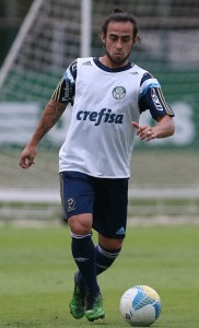 Valdivia, em treino do Palmeiras nesta segunda-feira (Cesar Greco/Ag Palmeiras/Divulgação)