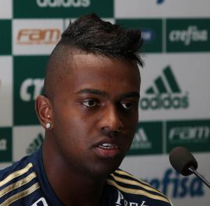 Kelvin admitiu que o rendimento do ataque alviverde não está satisfatório. (Cesar Greco/Ag. Palmeiras/Divulgação)