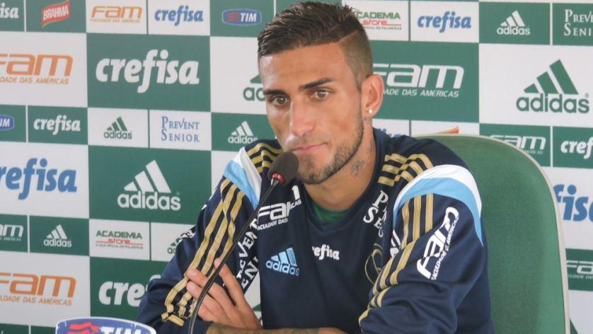 Rafael Marques concedeu entrevista coletiva na Academia de Futebol nesta manhã de quarta-feira (20). (Mídia Palmeirense)