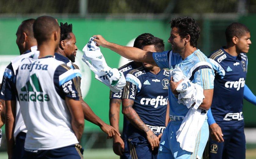 O técnico Alberto Valentim relacionou o time com novidades. (Cesar Greco/Ag. Palmeiras/Divulgação)