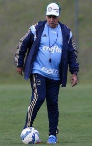 O técnico do Verdão ensaiou a equipe nesta quinta-feira, 25. (Cesar Greco/Ag. Palmeiras/Divulgação)