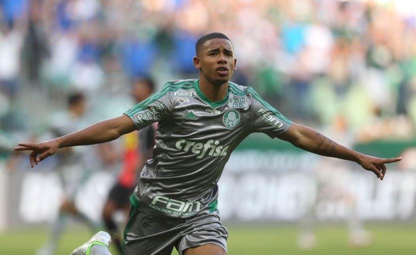 O camisa 33 ganhou música da torcida: 'Glória, glória, aleluia, é Gabriel Jesus'. (Cesar Greco/Ag. Palmeiras/Divulgação)