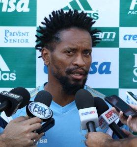 Zé Roberto concedeu entrevista coletiva antes do treino desta segunda-feira (24). (Cesar Greco/Ag. Palmeiras/Divulgação)