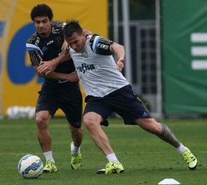 Mouche e Egídio foram relacionados para enfrentar o Internacional. (Cesar Greco/Ag.Palmeiras/Divulgação)