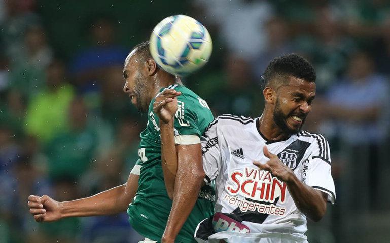 Palmeiras esbarrou em forte marcação da Ponte Preta. (Cesar Greco/Ag. Palmeiras/Divulgação)