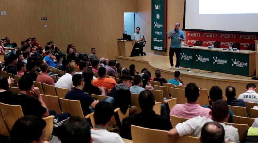 Cícero Souza e outros profissionais do Verdão participaram do evento. (Fabio Menotti/Ag.Palmeiras/Divulgação)