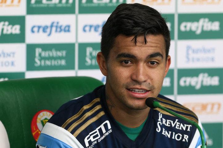 O atacante Dudu concedeu entrevista coletiva na Academia de Futebol na manhã desta quinta-feira (08). (Cesar Greco/Ag. Palmeiras/Divulgação)