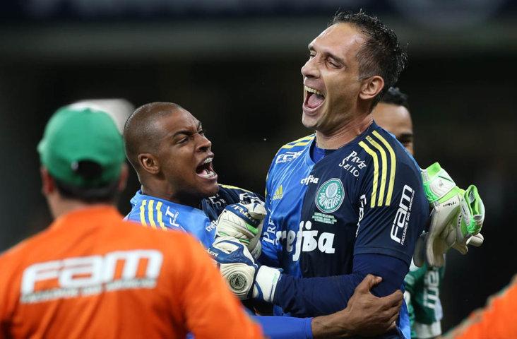 Fernando Prass pegou cobrança de Gustavo Scarpa e ajudou Palmeiras e garantir vaga na final. (Cesar Greco/Ag.Palmeiras/Divulgação)