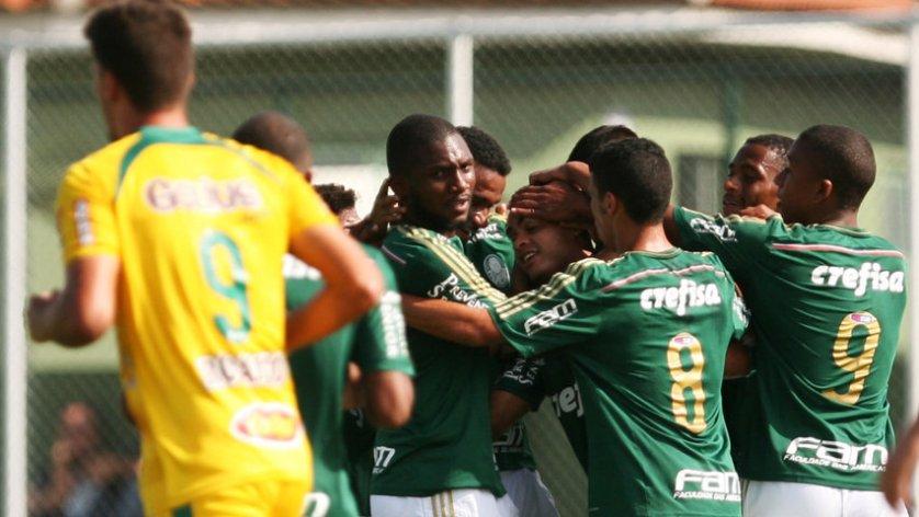 O Verdão venceu os dois jogos que disputou diante de sua torcida na nova arquibancada da Academia de Guarulhos. (Fabio Menotti/Ag. Palmeiras/Divulgação)