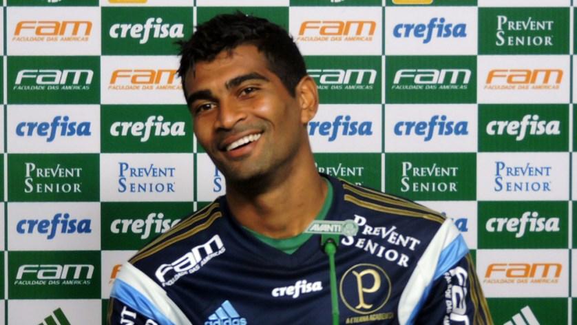 Thiago Santos estará de volta a equipe diante da Ponte Preta. (Mídia Palmeirense)
