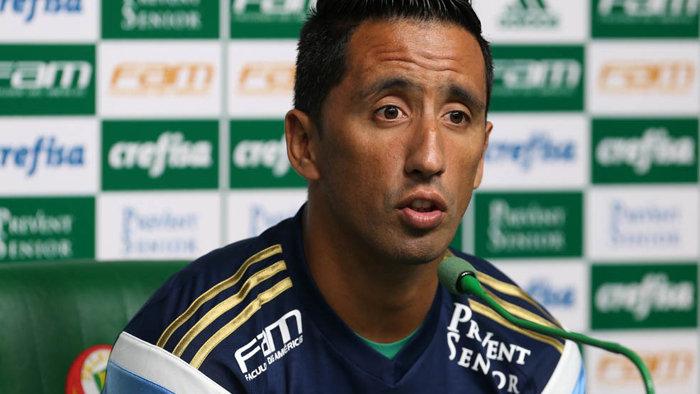 Lucas Barrios pode conquistar seu primeiro título com a camisa do Verdão na quarta-feira (02). (Cesar Greco/Ag.Palmeiras/Divulgação)