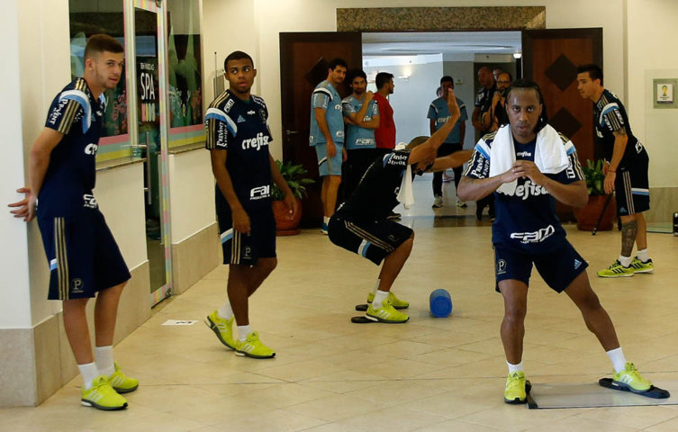 Na manhã do primeiro dia em Atibaia-SP, o elenco do Verdão realizou treino físico. (Cesar Greco/Ag. Palmeiras/Divulgação)